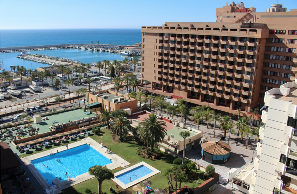 Coronavirus close all hotels in Spain